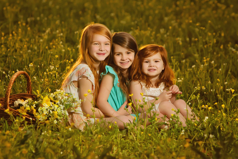 THE SEASONAL ENVIRONMENTAL FAMILY PORTRAIT